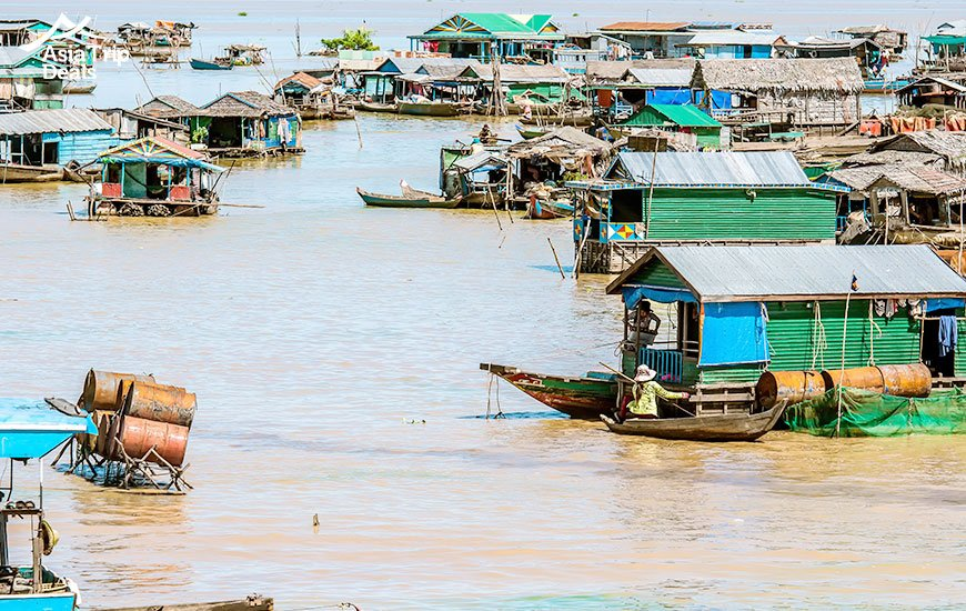 Try cruising to see the floating village in Tonle Sap Lake, Cambodia