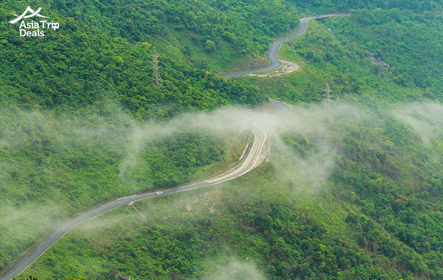 Hai Van pass connecting Danang and Lang CO