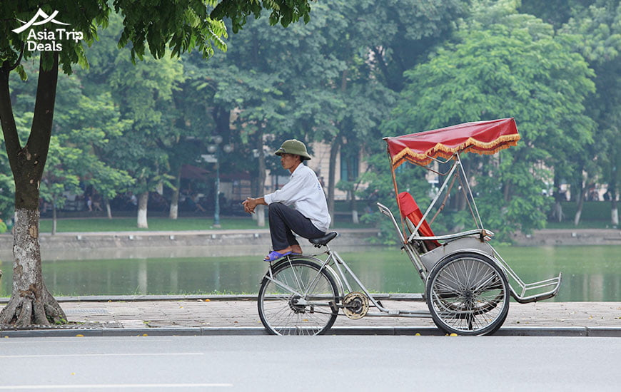 travel by cyclo in hanoi