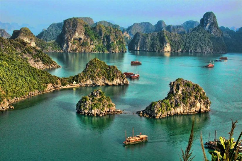 Halong-Bay-from-tiptop-island