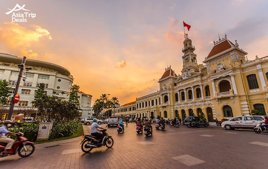 Ho Chi Minh City Hall at twilight