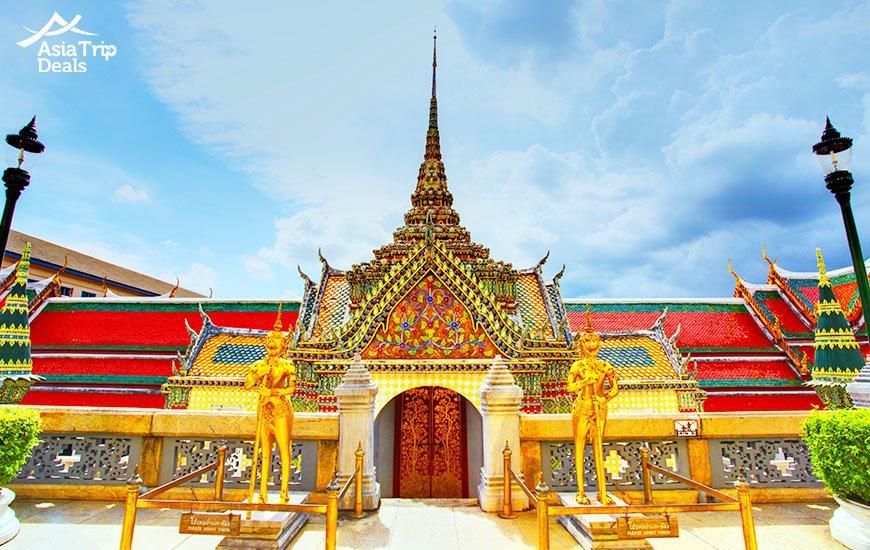 Wat Phra Kaew temple in Bangkok, Thailand