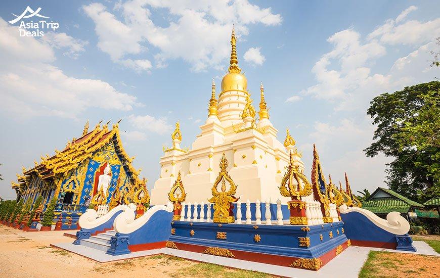 Wat Rong Suaten temple in Chiang Rai