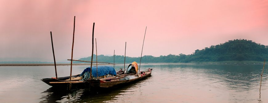 sunset on mekong river in luang prabang laos