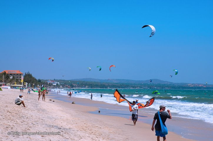 kite-surfing in mui ne